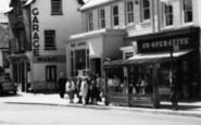 Wellington, Bus Shelter, High Street 1963