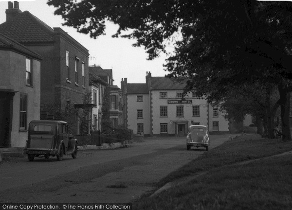 wells next the sea buttlands and the crown hotel 1950. Black Bedroom Furniture Sets. Home Design Ideas