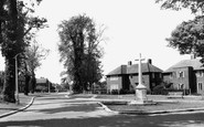 Welwyn Garden City, Memorial And Hollybush Lane c.1955