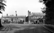 Weston Under Penyard, Weston Cross Inn c.1965