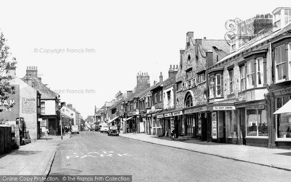 Withernsea, Queen Street c.1955