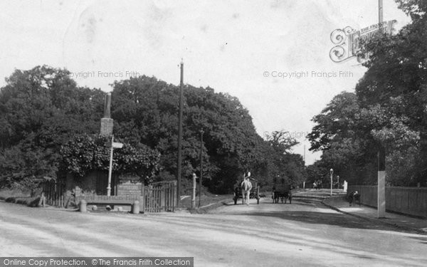 Woodford Green, The Old Toll Gate 1903