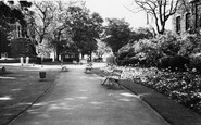 Woolwich, St Mary's Gardens c1965