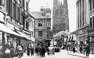 Wrexham, Hope Street And The Parish Church c.1955