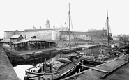York, Barges On The Foss Navigation 1885