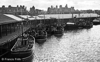 Aberdeen, Trawlers alongside the Fish Dock on Albert Quay 1961
