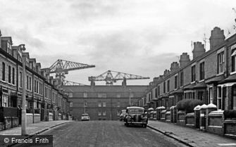 Barrow-in-Furness, Cranes at end of Street 1963