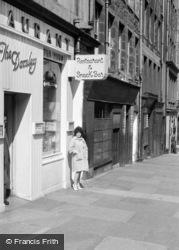 Edinburgh, The Darnley c.1960