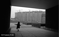 Glasgow, Girl Skipping, The New Gorbals 1964