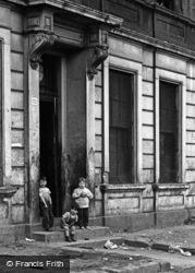 Glasgow, The Gorbals, Children 1961