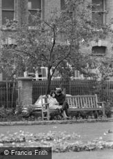 Hoxton, Couple on Park Bench 1965