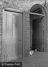 Oldbury, Doorways 1964