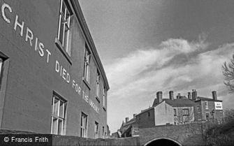 Oldbury, Gospel Hall and West Bromwich Street Canal Bridge 1964