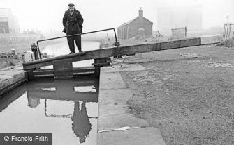 Oldbury, Lock Keeper 1964