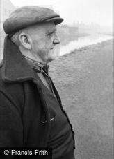 Oldbury, Top Lock, the Lock Keeper 1964