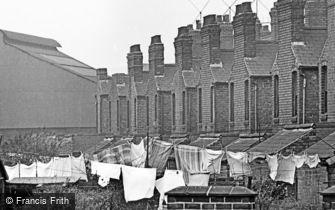 Oldbury, Washing Day 1964