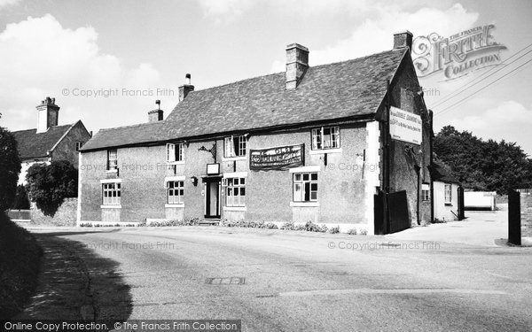 Photo of Abbots Bromley, Ye Olde Coach And Horses 1963