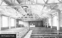 Abbots Langley, St Saviour's Rc Church, Interior c.1960
