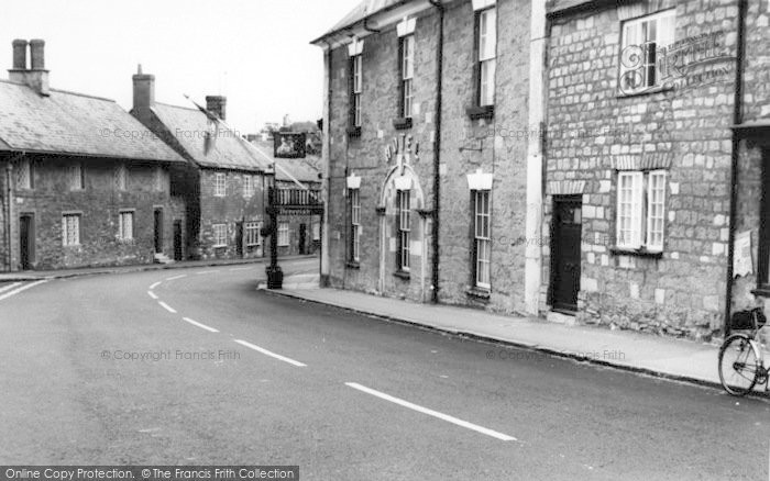 Photo of Abbotsbury, Ilchester Arms Hotel c.1965