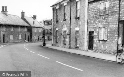 Abbotsbury, Ilchester Arms Hotel c.1965