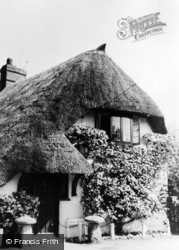 Abbotts Ann, White Cottage c.1960