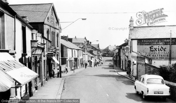 Photo of Aberaman, Lewis Street c.1964