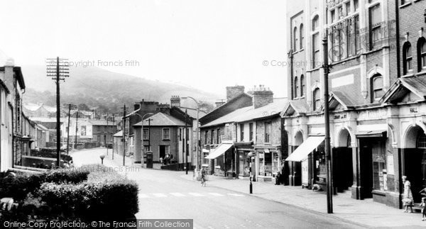 Photo of Aberaman, Victoria Place 1964