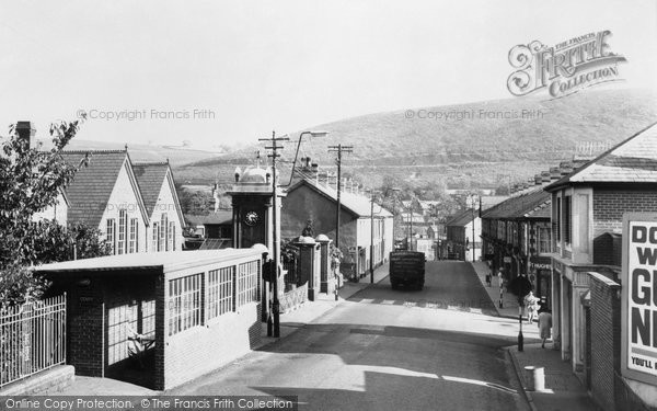 Photo of Abercynon, Ynysmeurig Road c.1960