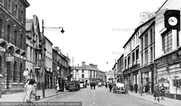 Photo of Aberdare, Cardiff Street c1955