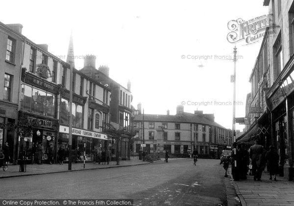 Photo of Aberdare, Cardiff Street c.1955