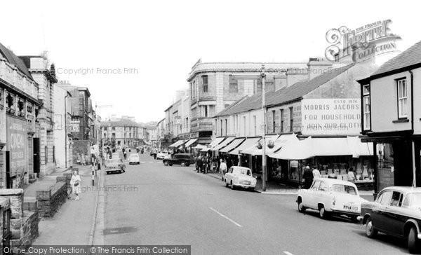 Photo of Aberdare, Cardiff Street c.1960
