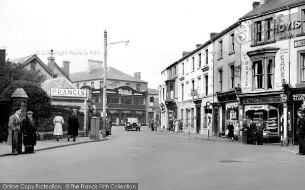 Photo of Aberdare, Commercial Street c.1955