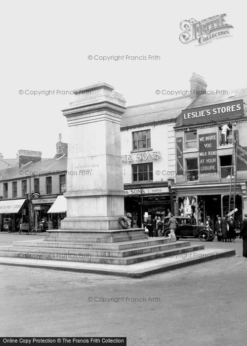 Photo of Aberdare, The Cenotaph 1937