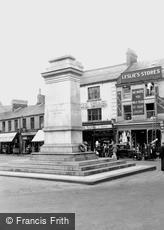 Aberdare, the Cenotaph 1937