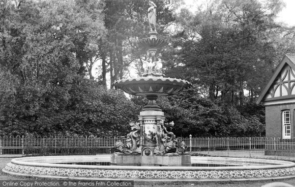 Photo of Aberdare, The Fountain c.1955