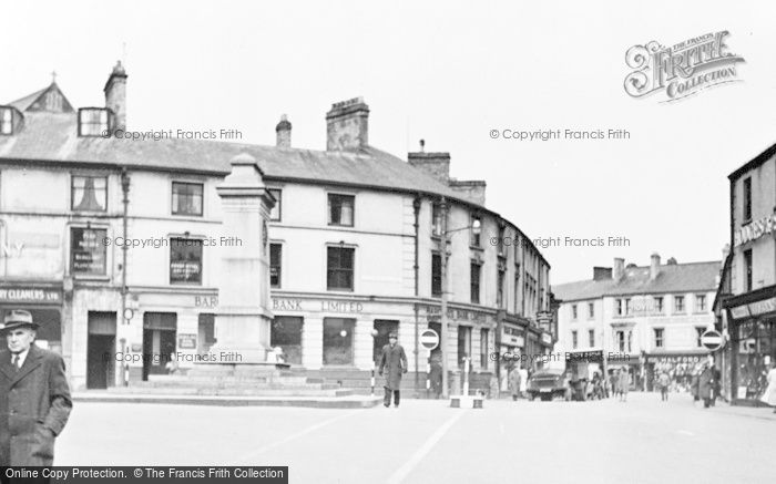 Photo of Aberdare, Victoria Square And War Memorial c.1955