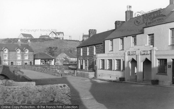Photo of Aberdaron, Ship Hotel c.1935