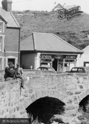 Aberdaron, Young People On The Bridge c.1960