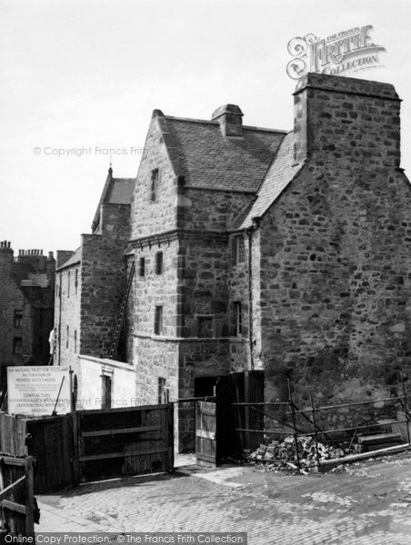 Photo of Aberdeen, Provost Ross's House 1954