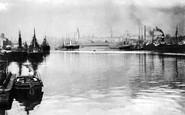 Aberdeen, the Harbour c1900