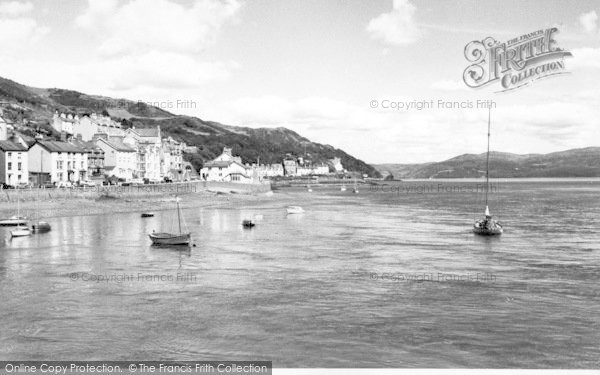 Photo of Aberdovey, Looking East c.1960