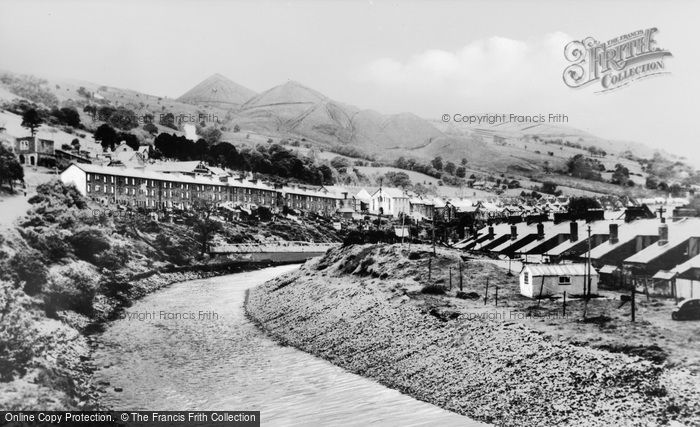 Photo of Aberfan, The Valley c.1965