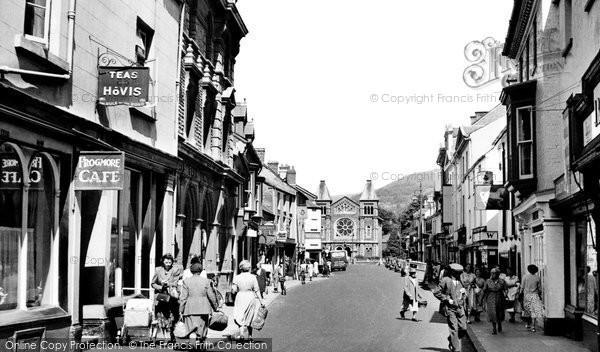 Photo of Abergavenny, Frogmore Street c.1955