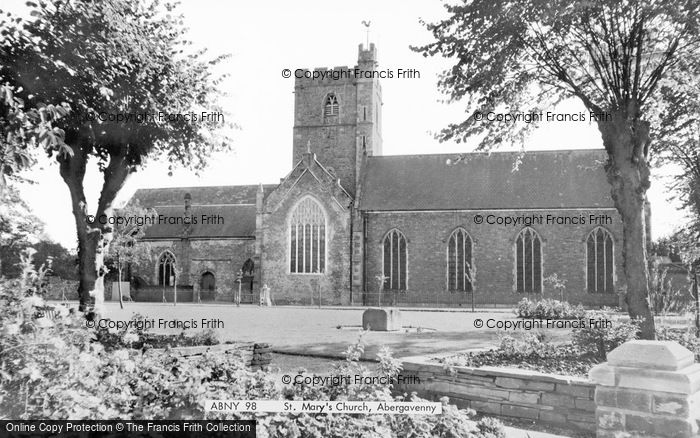 Photo of Abergavenny, St Mary's Church c.1960
