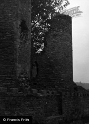 Abergavenny, The Castle 1953