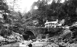 Aberglaslyn Pass, Bridge And Cottage 1889