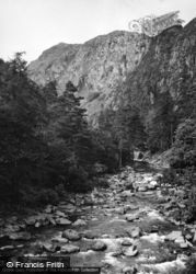 Aberglaslyn Pass, The River Glaslyn 1952