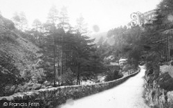 Aberglaslyn Pass, View In The Pass 1889