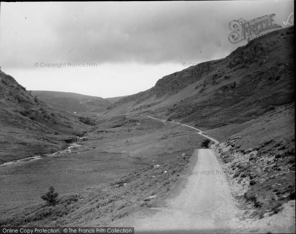 Abergwesyn, Pass, Showing Devil's Staircase In Distance c.1950