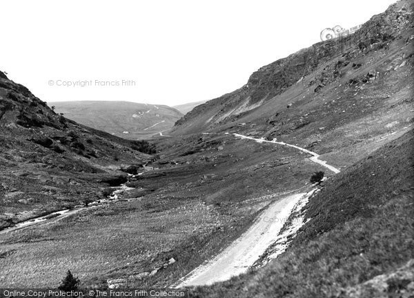 Abergwesyn, Pass, The Devils Staircase In The Distance c.1950